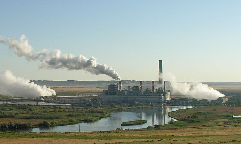 800px-Dave_Johnson_coal-fired_power_plant,_central_Wyoming.jpg