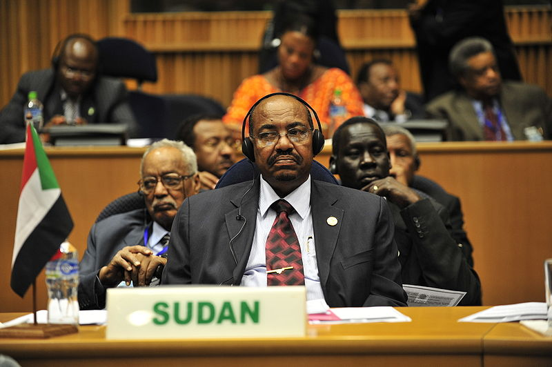 800px-Omar_al-Bashir,_12th_AU_Summit,_090131-N-0506A-347.jpg