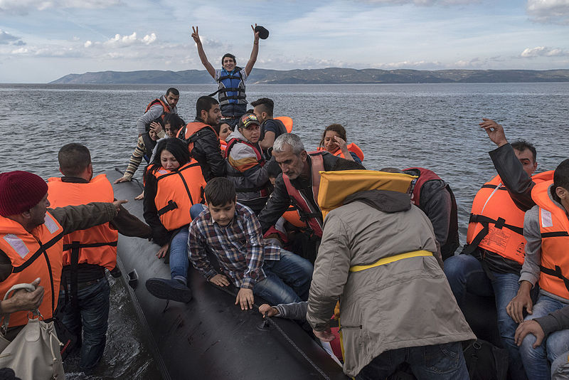 20151029_Inflatable_boat_with_Syrian_Refugees_Skala_Sykamias_Lesvos_Greece.jpg