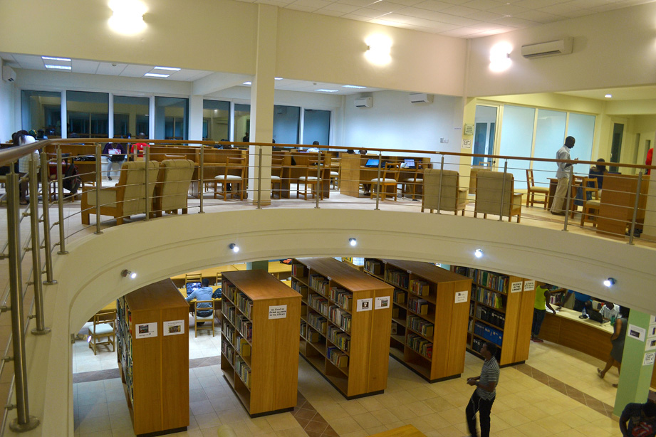 Warren_Library_Ashesi.JPG