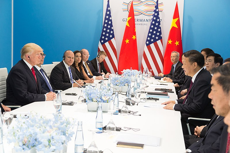 800px-President_Donald_J._Trump_and_President_Xi_Jinping_at_G20,_July_8,_2017.jpg
